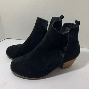 Torrid Black Faux Suede Wedge Ankle Boots Size 8 W
